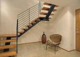Лестница. Лестница на одном центральном косоуре (монокосоуре), фото 4