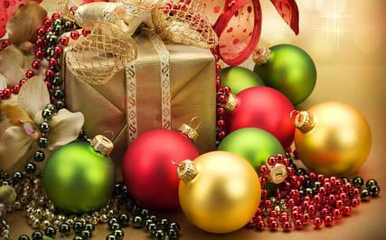 Новогодние гирлянды, елочные украшения, бенгальские огни