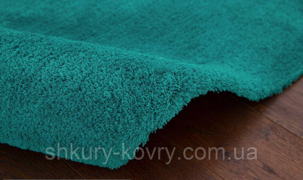 Однотоный бирюзовый ковер купить, неприминающиеся немецкие ковры
