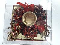 Подсвечник на 1 свечу красный с украшениями в подарочн.упаковке диам.10см