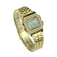 Классические электронные часы золотого цвета