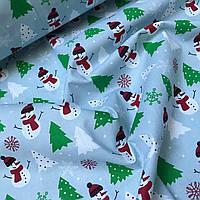 Новогодняя ткань со снеговиками и елками на серо-голубом №835