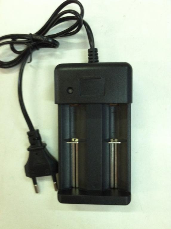Зарядное устройство для 2х аккумуляторов 18650