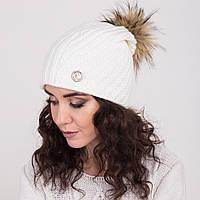 Женская вязанная шапка с меховым помпоном - зима 2018 - Арт 2148 (белая)