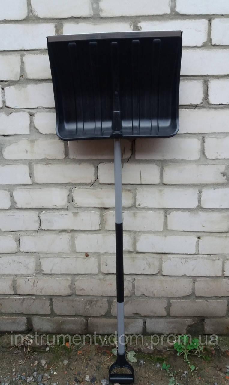 Лопата снегоуборочная MAAN черная (с металлическим черенком)