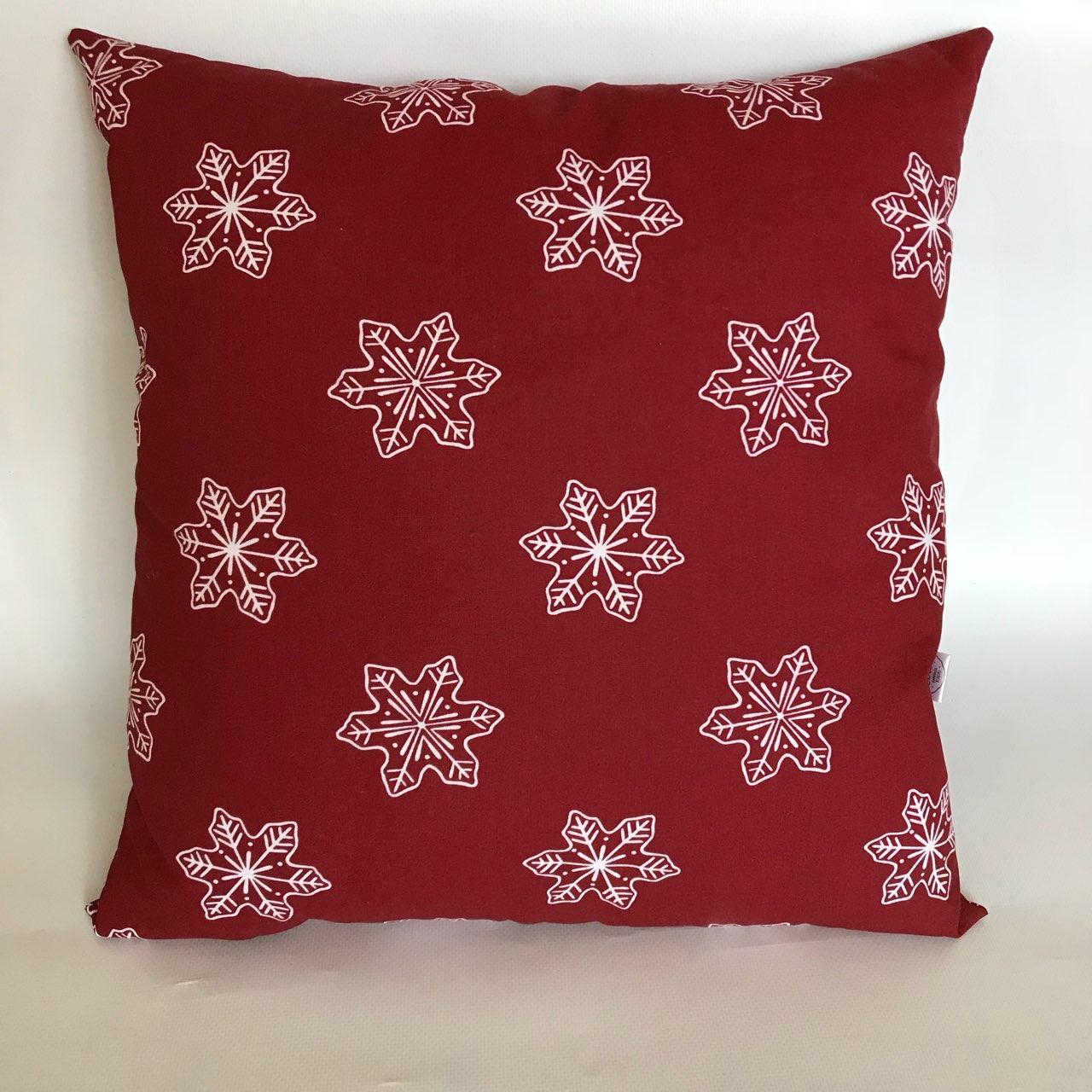 """Декоративна подушка """"Сніжинки"""""""