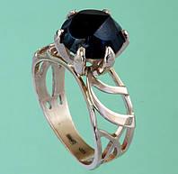 Золотий перстень  з топазом