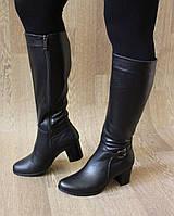 Черные зимние сапоги на удобном каблуке из натуральной кожи