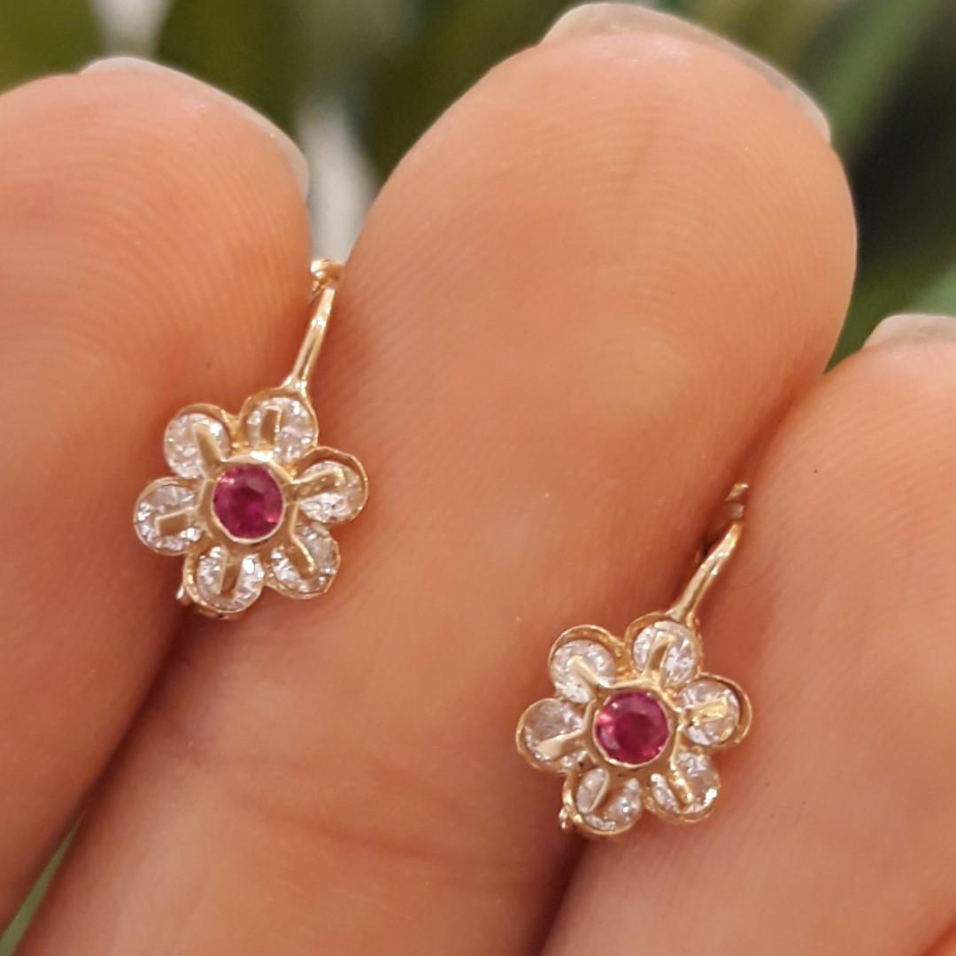 Золоті сережки для дітей з камінчиком Квіточки