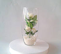 Цветы искусственные в прозрачной вазе
