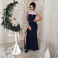 Длинное в пол вечернее платье с украшением