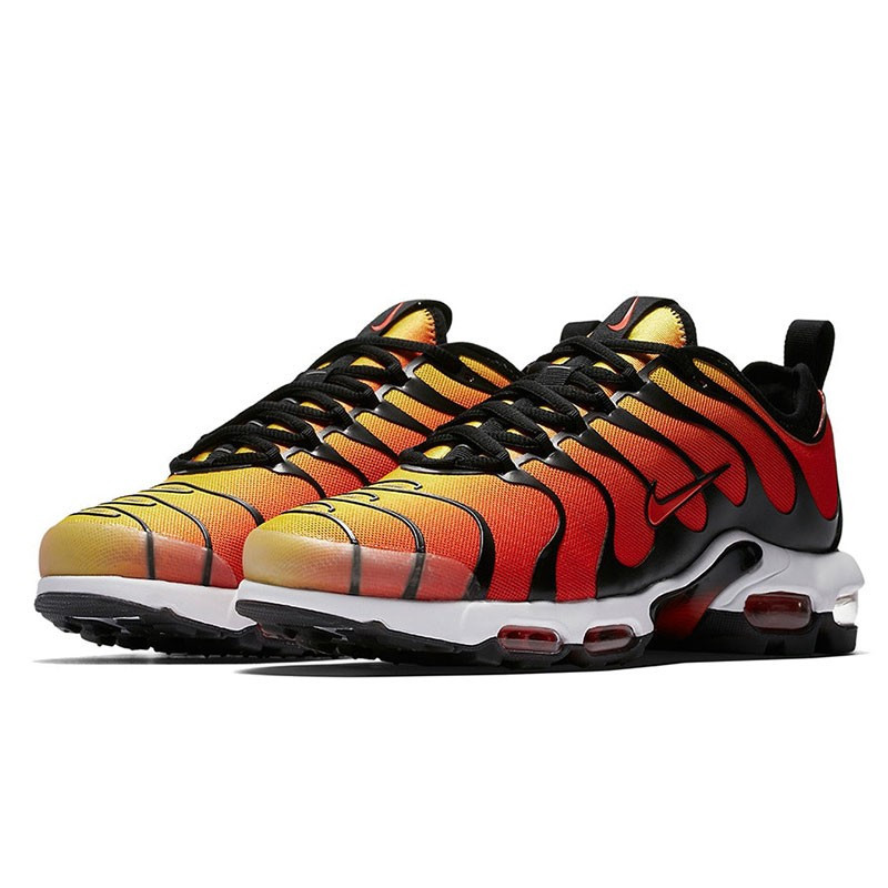 11c8536f0000 Оригинальные кроссовки Nike Air Max Plus TN Ultra Black   Team Orage -  Sport-Sneakers