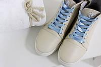 Высокие кеды на шнуровке из натуральной кожи нежно-молочного цвета с эффектом перламутра, Коллекция Весна-Лето 2017, Б-430