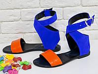 Сандалии из натуральной кожи оранжевого цвета и натуральной замши ярко синего цвета, на низком ходу, Коллекция Весна-Лето 2017, Б-600