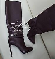 Женские стильные бордовые сапоги сострыми носками