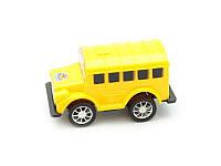 Игрушечный автобус в пакете