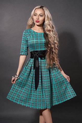 Модне трикотажне жіноче расклешеное плаття в клітку, фото 2
