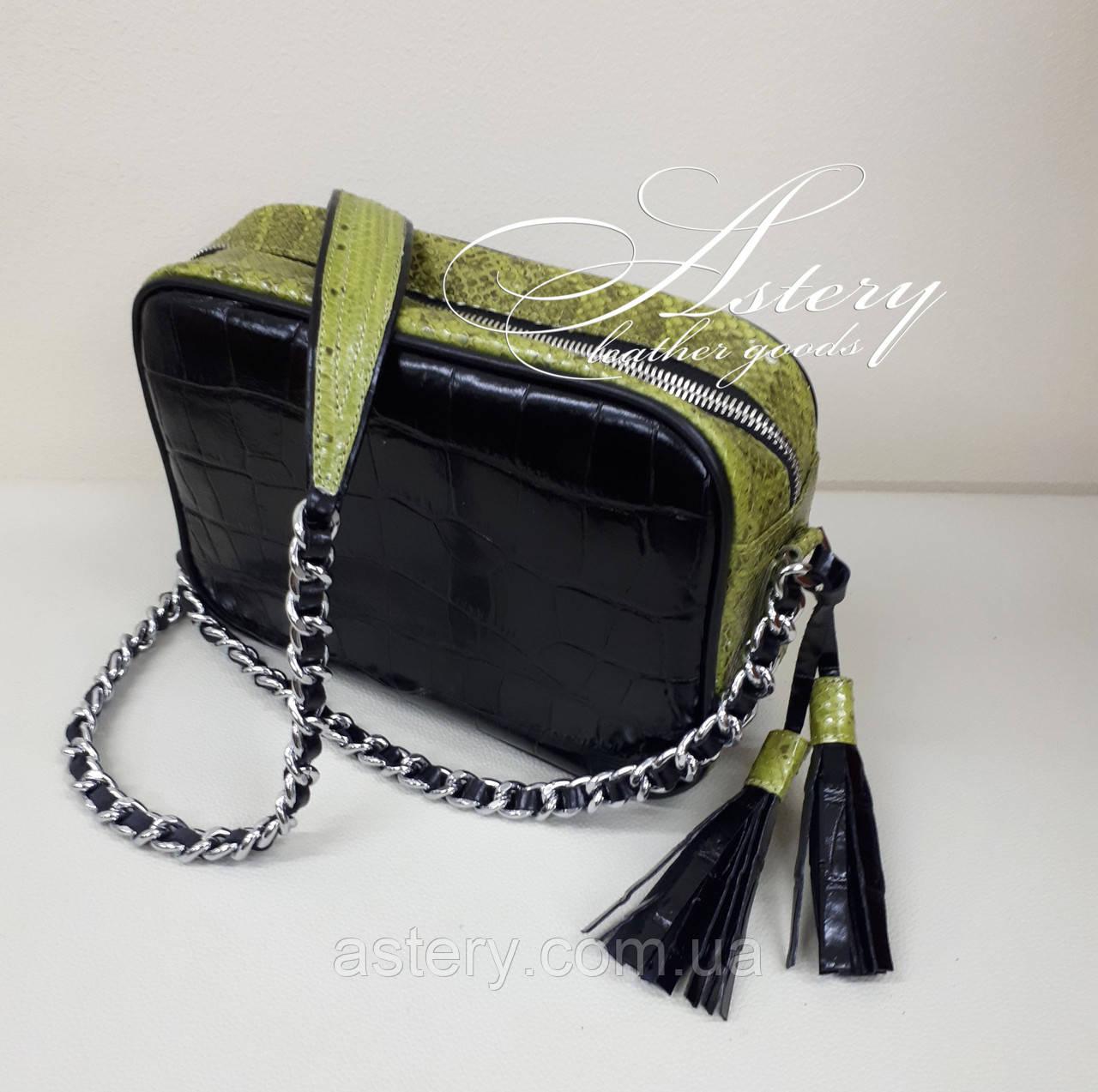 Женская черная кожаная сумочка STELLA на цепочке с зеленым питоном