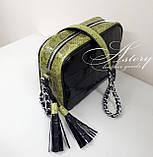 Женская черная кожаная сумочка STELLA на цепочке с зеленым питоном, фото 2