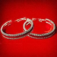 Серьги-кольца Mir-1678/1 итальянский замок диаметр 5 см в стазах и красной кожаной вставкой