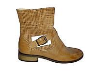 Кожаные демисезонные польские женские удобные стильные полусапожки на устойчивом каблуке Kati