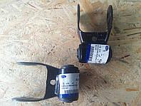 Кронштейн крепления рессор серьга Ford Transit V184 00- YC15 5776 AC