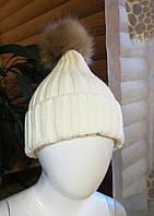 Женская/подростковая шапка белая  (окружность головы 54-60 см)
