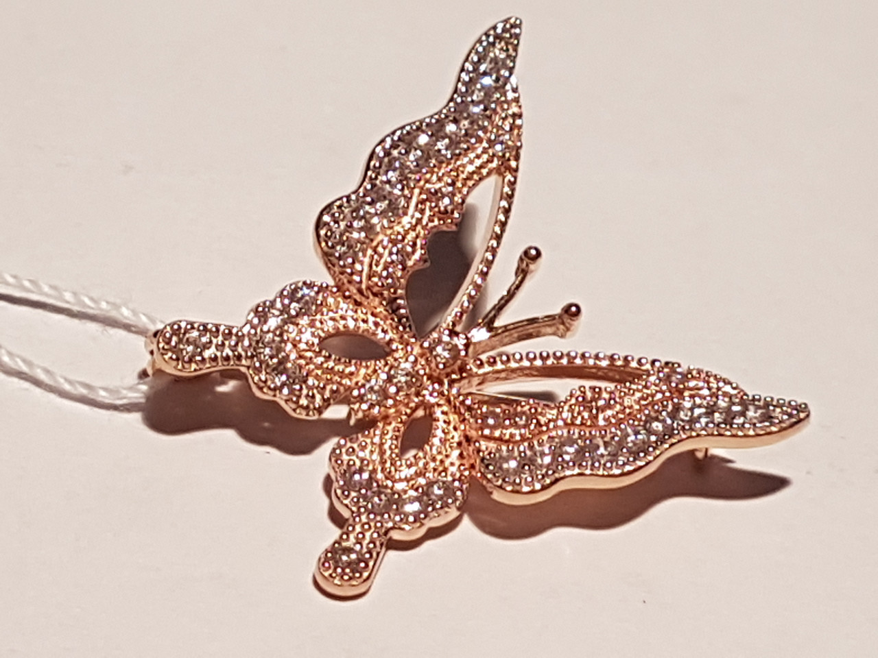 Золотая брошь Бабочка с фианитами. Артикул 360040
