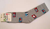 Теплые носки для мужчин в новогодние марки серого цвета