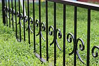 Оградка на могилу кованая