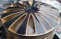 Колпаки R14 на диски R14 черно / золотые колпак K0349