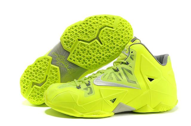 Баскетбольные кроссовки Nike Lebron 11