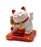 Кошка Манэки-нэко на солнечной батарее (7,5х7х6,5 см)