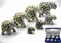 Слоны резные каменные в бархатном футляре (12, 10, 9, 7, 6, 4, 3см)(н-р 7 шт)