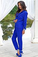 Стильный брючный костюм синего цвета