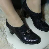 Женские кожаные туфли на каблуке 37р  (натуральная лаковая кожа)
