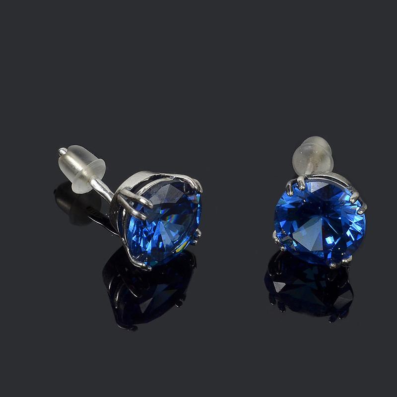 Серебряные серьги-пусеты с крупным камнем