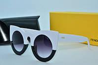 Солнцезащитные очки  Fendi белые с черным, фото 1