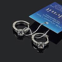 Маленькие серьги кольца с камушком