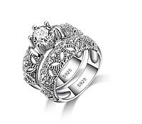 Набор колец, покрытых серебром с кристаллами
