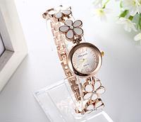 Часы женские с металлическим ремешком