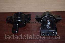 Подушка двигателя Авео 1.5-1.6 правая КПП механика CRB