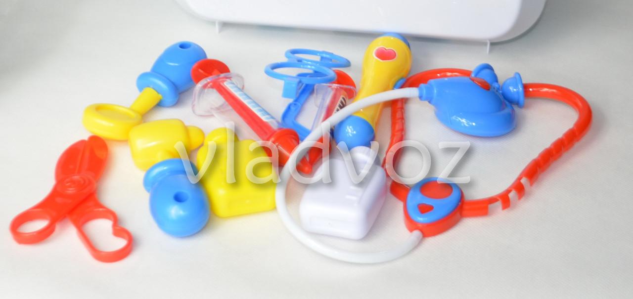 Фото аксессуаров детского игрового набора доктора в чемоданчике Pro Medical Set