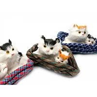 Фигурка Котята на коврике