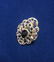 Женское кольцо, регулируемый размер, бижутерия, цвет металла - золото, с фиолетовыми камнями, крупное кольцо