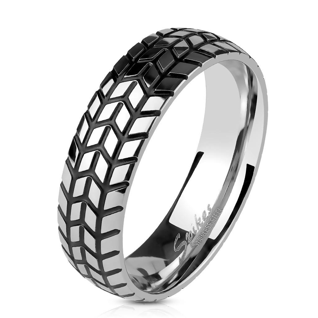 Байкерское кольцо из медицинской стали Spikes 20.75