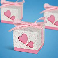 Бонбоньерки в виде розовых коробочек с сердечками, оригинальные коробочки для кофет
