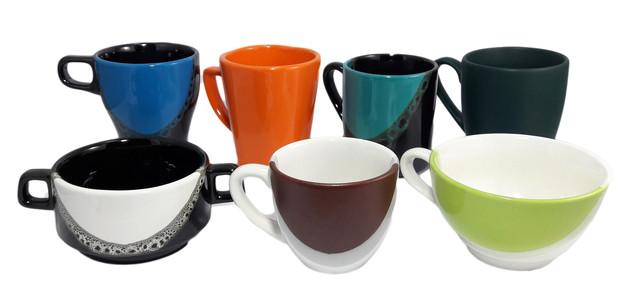Керамические чашки, кружки
