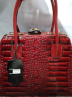569374ca5b6e Женская сумка с жестким каркасом внутри и застежкой типа