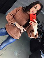 Стильный свитер машинной вязки из мягкой пряжи.